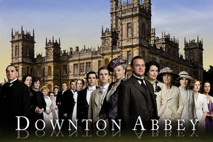 Downton Abbey Motorcoach