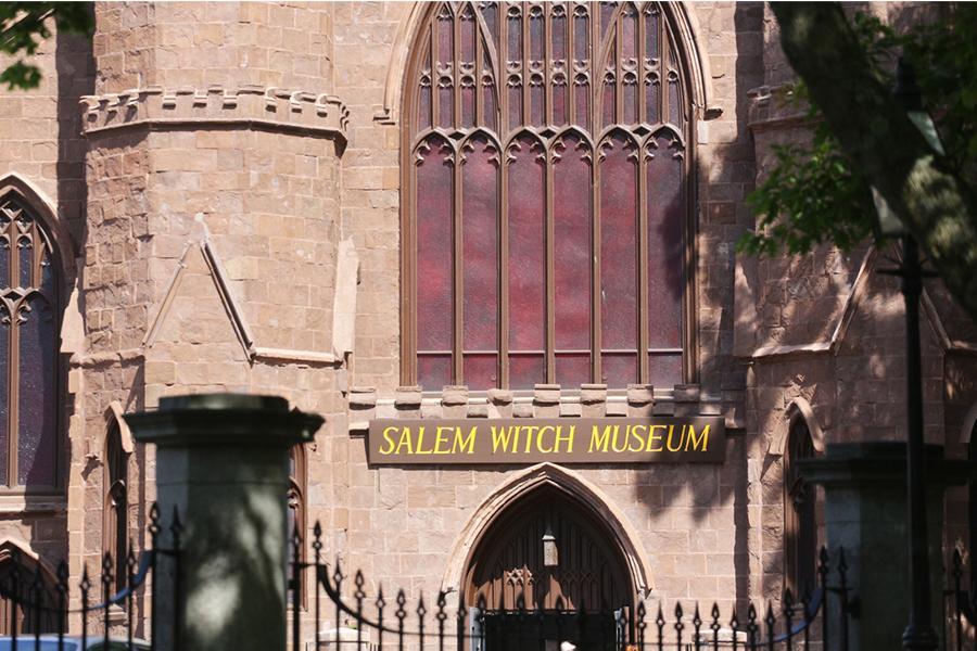 Salem Halloween Tour