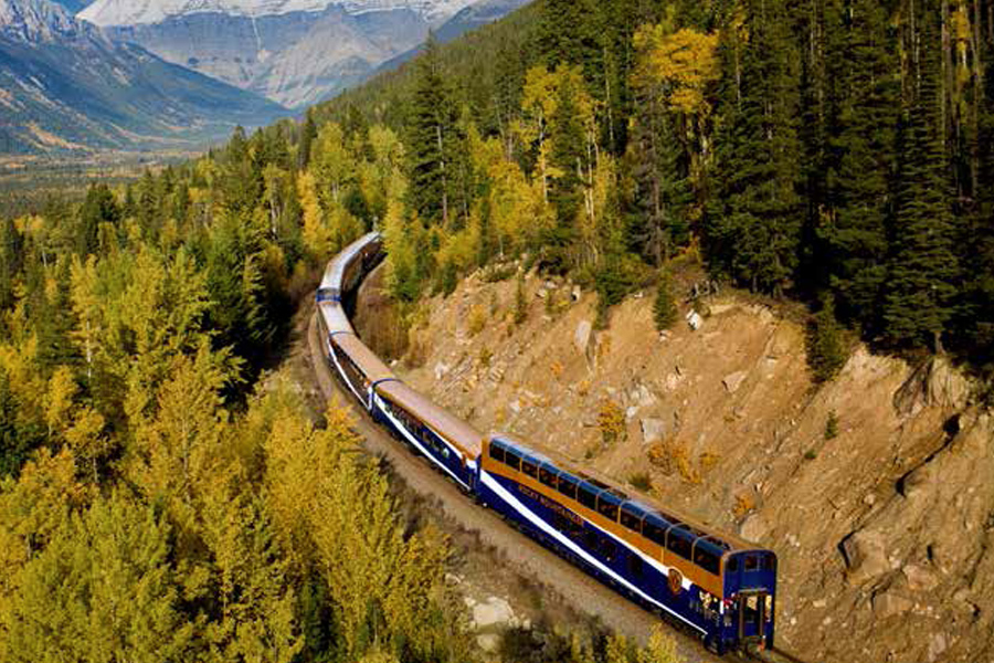 Rocky Mountaineer First Passage to the West